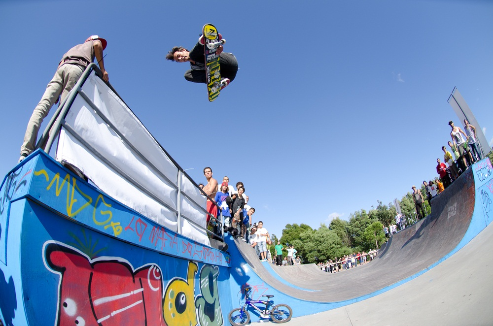 Ready to shred? Facing off in summer competitions around the world, skateboarders show off mind-blowing aerials, grinds, and grabs. (homydesign/ Shutterstock)