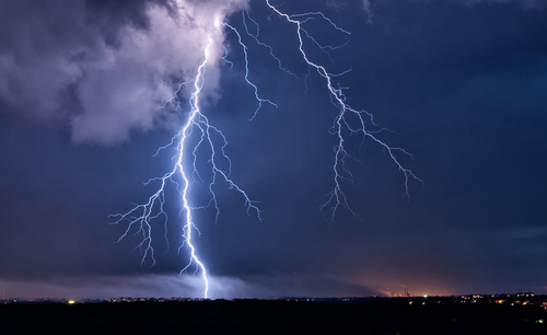 How Hot Is A Lightning Bolt Only About 54000 Degrees Fahrenheit Roughly Five Times Hotter Than The Surface Of Sun