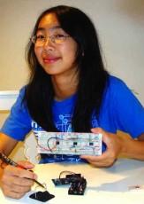 Teen Invents Bluetooth EKG to Help Keep Hearts Healthy