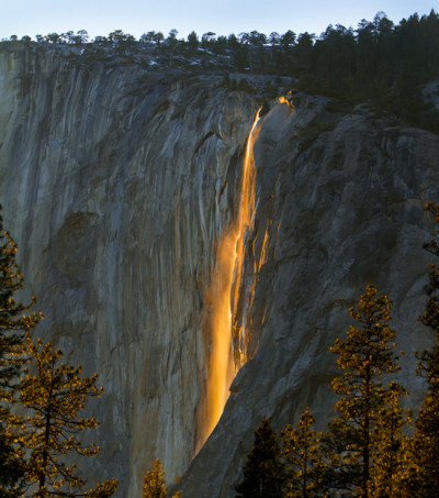 Etheral_Waterfall_Yosemite