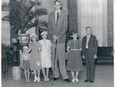 The Tallest Man in Medical History Stood Almost Nine Feet Tall